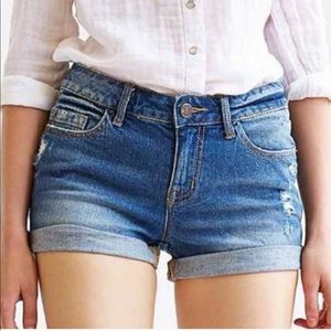 UO Bdg mid rise Alexa jean shorts
